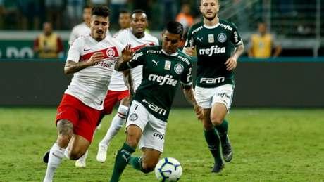 O Palmeiras de Dudu deixou de ficar com a bola desde a metade do primeiro tempo e sofreu (Luis Moura/WPP)