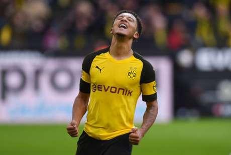 Sancho é um dos grandes destaques da temporada (Foto: AFP)