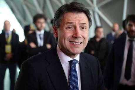 O primeiro-ministro da Itália, Giuseppe Conte, reclamou das novas projeções da UE
