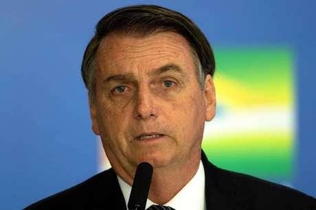 Jair Bolsonaro havia prometido flexibilizar regras sobre armas na campanha eleitoral