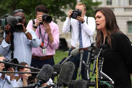 Sarah Sanders, porta-voz da Casa Branca, fala a repórteres em Washington (EUA)  08/05/2019 REUTERS/Jonathan Ernst