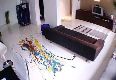 16 – Explore desenhos abstratos ao incluir piso 3D na decoração. Fonte: Pinterest