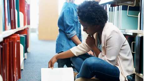 Para professora de Oxford, direcionamento de recursos para áreas de exatas e biológicas têm como impacto imediato excluir negros, que se concentram nas áreas de ciências sociais e humanas