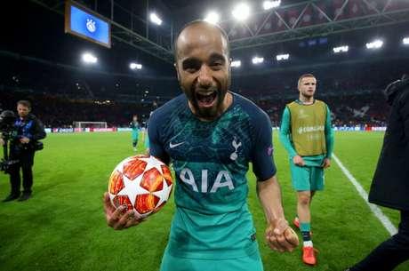 Lucas colocou o Tottenham na final (Foto: Divulgação/Twitter)