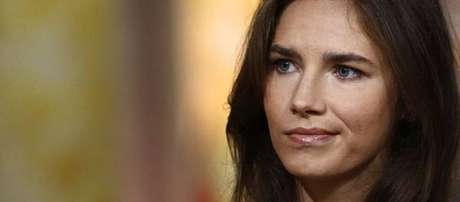 Amanda Knox foi absolvida do assassinato de Meredith Kercher