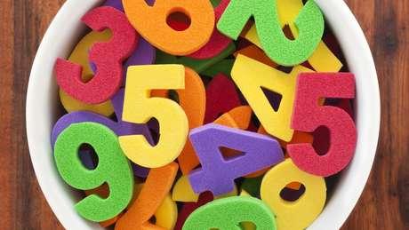 Dos números aleatórios à medida exata de números pares e ímpares: sites e cartilhas garantem ter a fórmula para ganhar na loteria