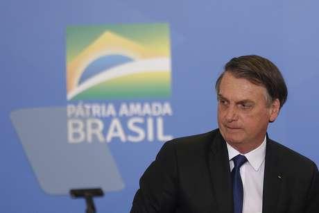 O presidente da República, Jair Bolsonaro, durante cerimônia de assinatura de um decreto que facilita o acesso a munição e o transporte de armas de fogo para atiradores esportivos, caçadores e colecionadores, no Palácio do Planalto, em Brasília