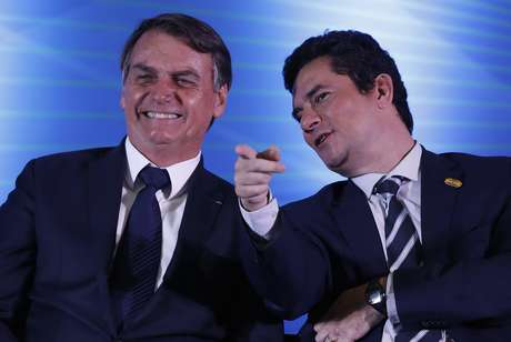 O presidente da República, Jair Bolsonaro (PSL) e o ministro Sérgio Moro participam do início do funcionamento do Centro Integrado de Inteligência de Segurança Pública da Região Sul