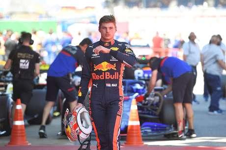 """Horner cheio de elogios para Verstappen: """"Ele tem sido fenomenal"""""""