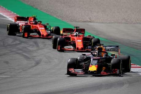 Vettel comentou que não estava ciente da mudança de estratégia de Leclerc
