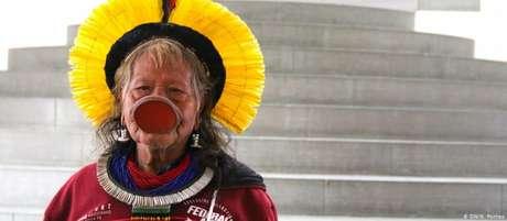Cacique Raoni pretende arrecadar fundos para proteger reserva do Xingu e povos que nela habitam
