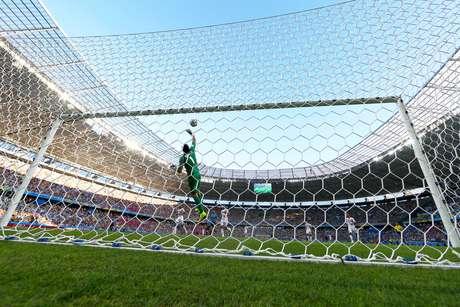 O goleiro Keilor Navas, da Costa Rica, durante partida contra o Uruguai, válida pelo Grupo D da Copa do Mundo, realizada na Arena Castelão, em Fortaleza