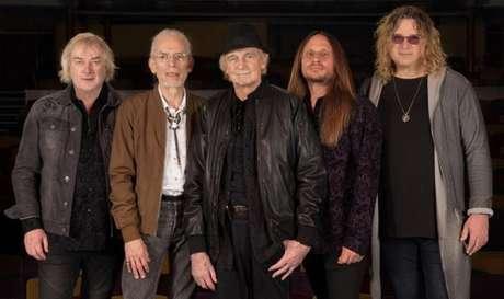 Apesar de dois de seus membros estarem no grupo há mais de 40 anos, o grupo Yes não possui nenhum integrante da formação original.