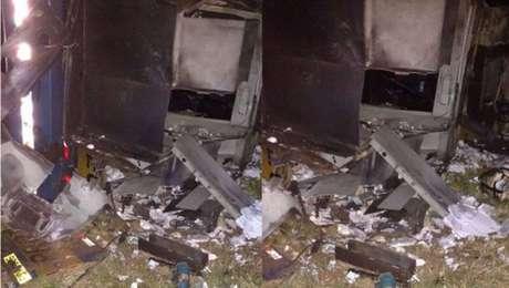 O cofre do carro-forte foi arrombado com o uso de explosivos, durante ataque de criminosos na Rodovia Anhanguera, no interior de São Paulo