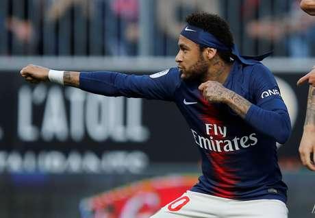 Neymar comemora gol pelo PSG