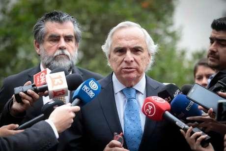O ministro do interior do Chile, Andrés Chadwick, condenou o ato e chamou-o de 'terrorista'