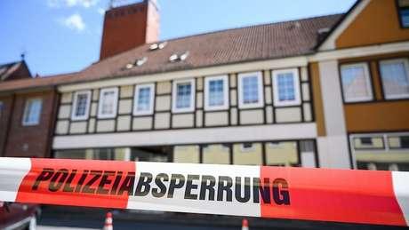 A propriedade em Wittingen foi fechada pela polícia após a descoberta dos corpos