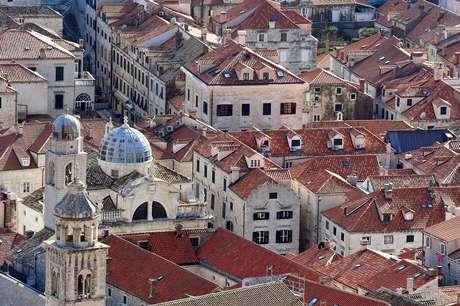 Imagem de King's Landing antes de ser destruída - o cenário é, na vida real, a cidade de Dubrovnik, na Croácia