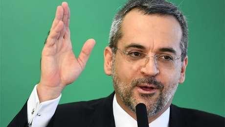 Ministro disse que contingenciamento será de 3,4% sobre orçamento total das universidades e institutos federais