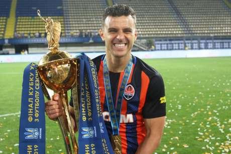Brasileiro foi campeão da Copa da Ucrânia (Foto: Divulgação)