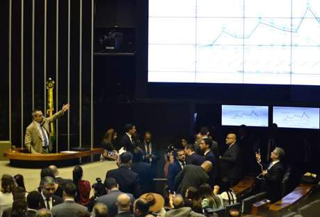 Plenário ouve o ministro da Educação, Abraham Weintraub, sobre cortes de verbas nas Universidades, nesta terça 15 em Brasilia
