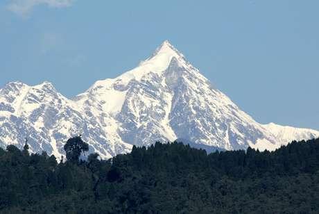 Vista do monte Kanchenjunga no Nepal 14/03/2005 REUTERS