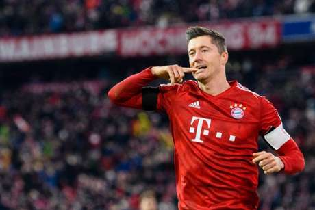 Lewandowski já marcou 38 gols em 45 partidas nesta temporada (Foto: AFP)