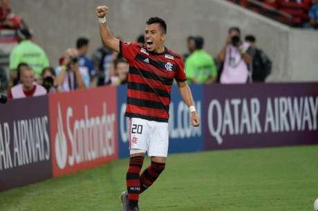 Ainda lesionado, Uribe está próximo de ser o novo reforço do Santos na temporada (Alexandre Vidal)