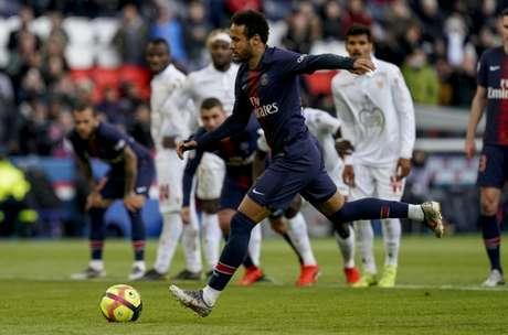 Real Madrid ainda tem interesse em Neymar (Foto: AFP)