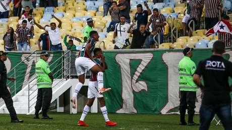 João Pedro e Marcos Paulo comemoram o gol do Fluminense (Foto: Lucas Merçon/Fluminense)