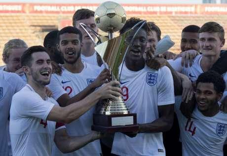 A Inglaterra é a atual campeã do Torneio de Toulon (Foto:Divulgação)