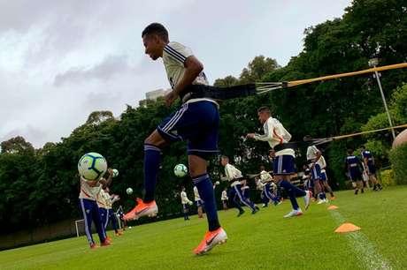 São Paulo treinou nesta quinta-feira com apenas aquecimento aberto à imprensa (Foto: Divulgação/São Paulo)