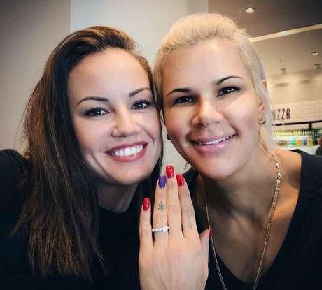 Mayssa e a noiva holandesa Nikita Ramona (Foto: Divulgação/ Instagram)