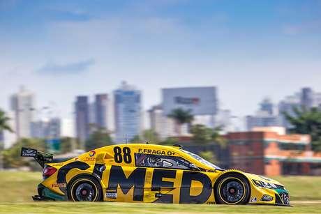 Stock Car e o dilema: brigar pela vitória na 1ª corrida ou poupar pneus e pensar no campeonato?