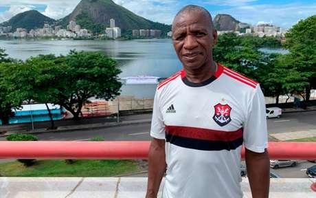 Nova camisa do Flamengo foi feita com o símbolo do remo do clube (Foto: Divulgação/ Twitter)