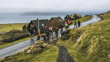 Cem voluntários foram escolhidos para ajudar na manutenção das ilhas