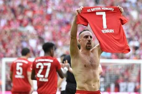 Ribéry marcou e foi homenageado pelos torcedores na Allianz Arena (Foto: AFP)