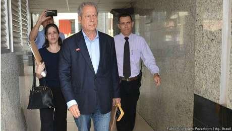 Ex-ministro da Casa Civil ficou 354 dias preso em Brasília após ser condenado pelo mensalão