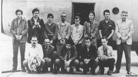 Então líder estudantil, Dirceu (o segundo em pé, da esq. para a dir.), foi preso e exilado na ditadura