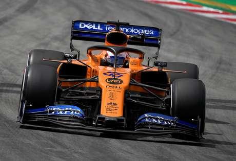Sainz afirma que Renault está progredindo