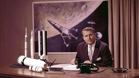 Wernher Von Braun, um ex-cientista nazista, foi o cérebro por trás do foguete que levou a Apollo 11 ao espaço