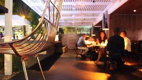 Em um país em crise, restam poucos lugares como o restaurante La Esquina