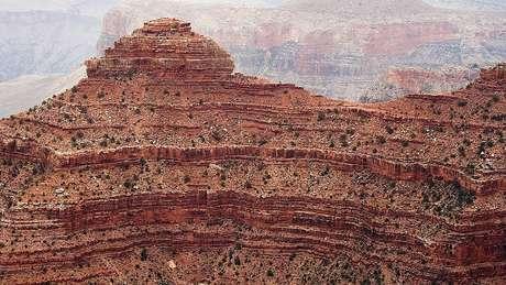 As camadas de rocha supai são vermelhas porque estão cheias de ferro