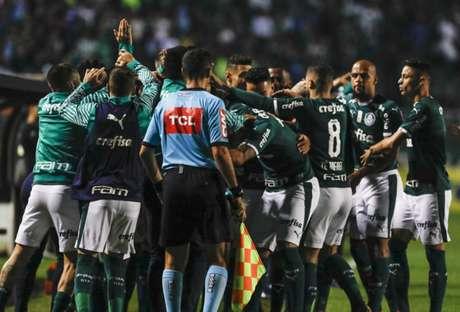 Palmeiras comprovou sua força ao golear o vice-líder do Campeonato Brasileiro por 4 a 0 (Ricardo Moreira/Fotoarena)
