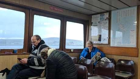 O barulho dos motores da balsa não perturba os passageiros