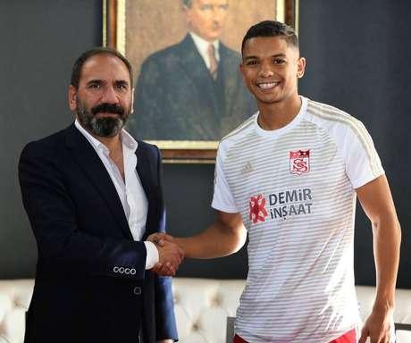 David Braz defende oSivasspor, da Turquia