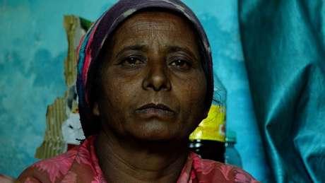 Geeta Devi afirma que encontrou o filho na porta de casa