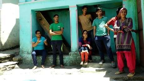 Habitantes de castas superiores na aldeia negam que haja discriminação contra a comunidade Dalit
