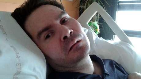 O enfermeiro Vincent Lambert, aqui em foto de 2015, teve sérios danos cerebrais e ficou tetraplégico em 2008, depois de um acidente de moto