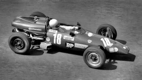 """Wilsinho Fittipaldi lembra o início de Niki Lauda na FVee e """"teste"""" na Copersucar"""